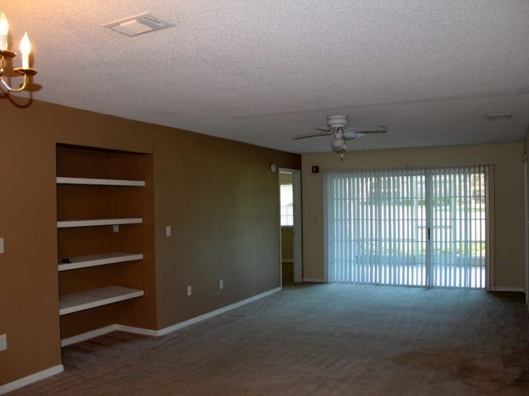 grand salon du condo CS2 à vendre avec Auxandra en Floride