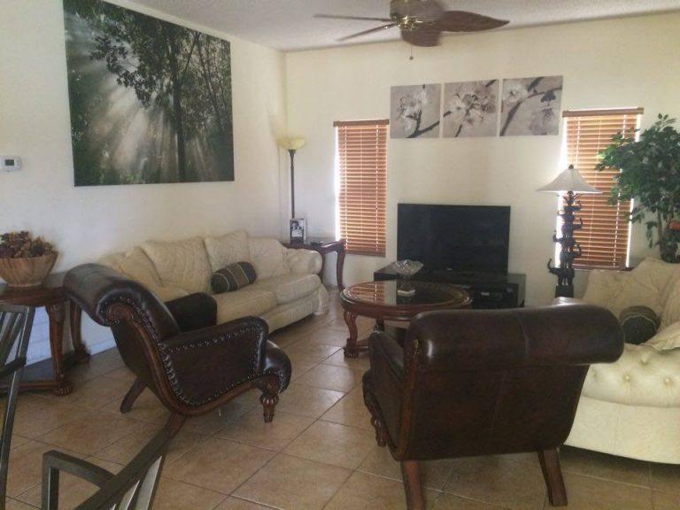 salle de bain de la suite parentale de la villa meublée vm4 à vendre en Floride