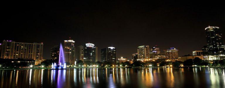 downtown Orlando en Floride de nuit