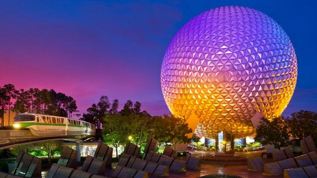La boule du parc d'attractions EPCOT à walt disney world en Floride
