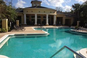 piscine dans une résidence de condo à Orlando