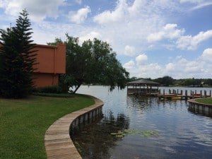 lac de la residence costa brava a orlando en floride