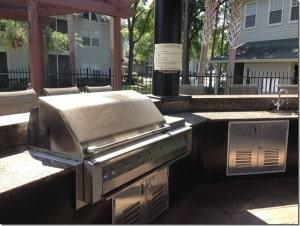 barbecue et zone de detente dans la residence central park en floride