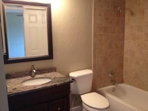 salle de bain condo en vente à orlando SB1