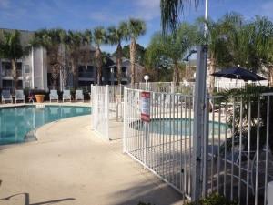 piscine securisee de la residence lake mary en floride