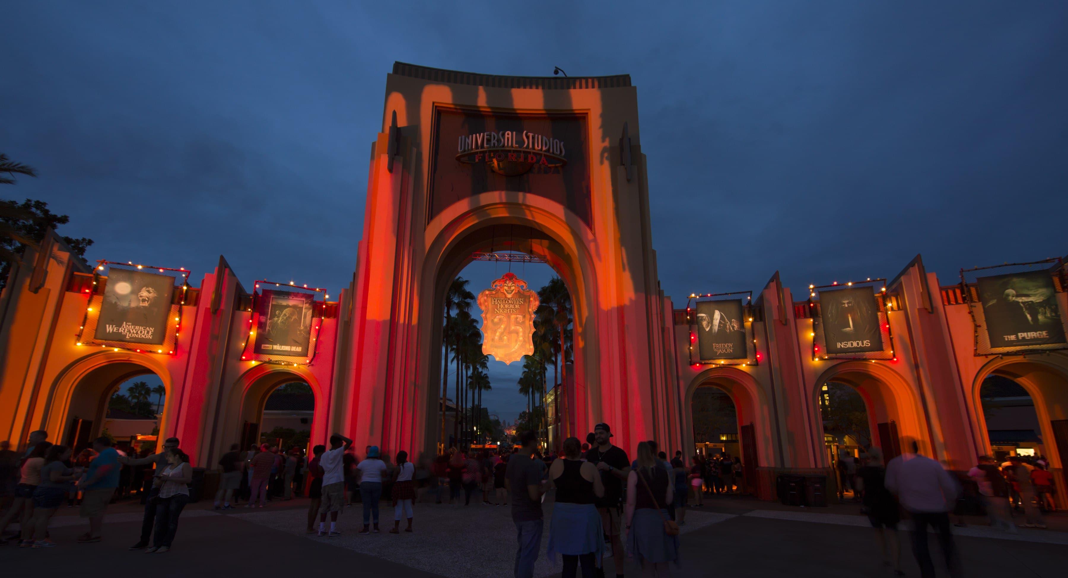 entrée d'universal studios en Floride pour la saison d'halloween