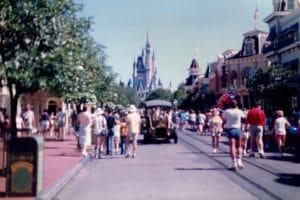 Le parc d'attractions magic kingdom à Disney à oRLANDO dans les années 80