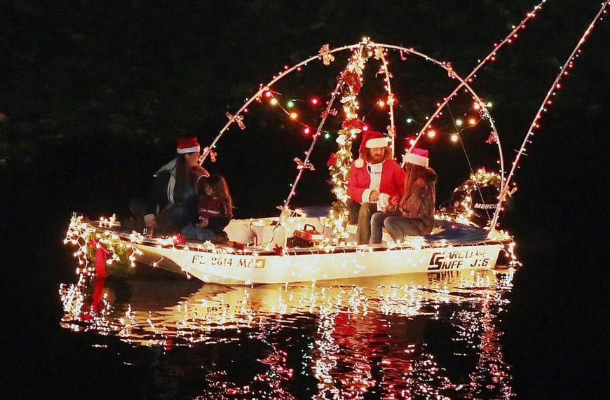 découvrez la parade nautique de Noel de Saint Pete en Floride