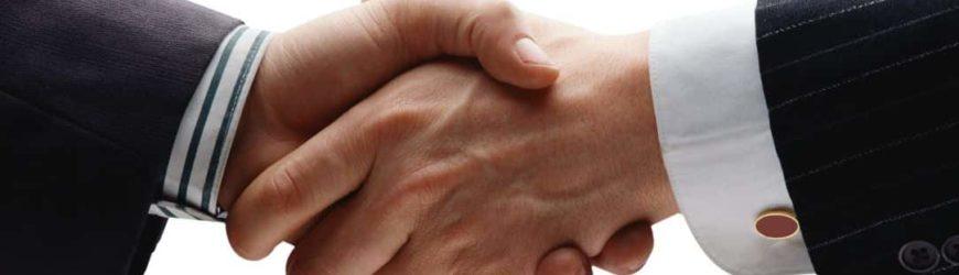 poignée de main client satisfait