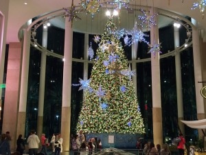 decoration de noel floride - sapin de noel dans un mall