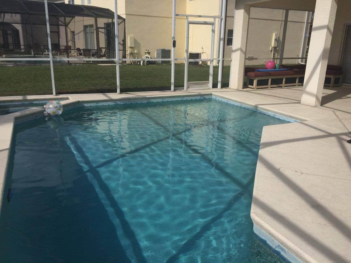 piscine privée de la villa meublée vm4 à vendre en Floride